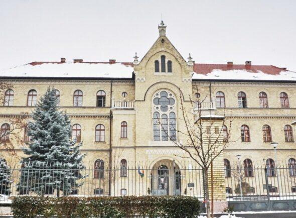 csalogany-iskola